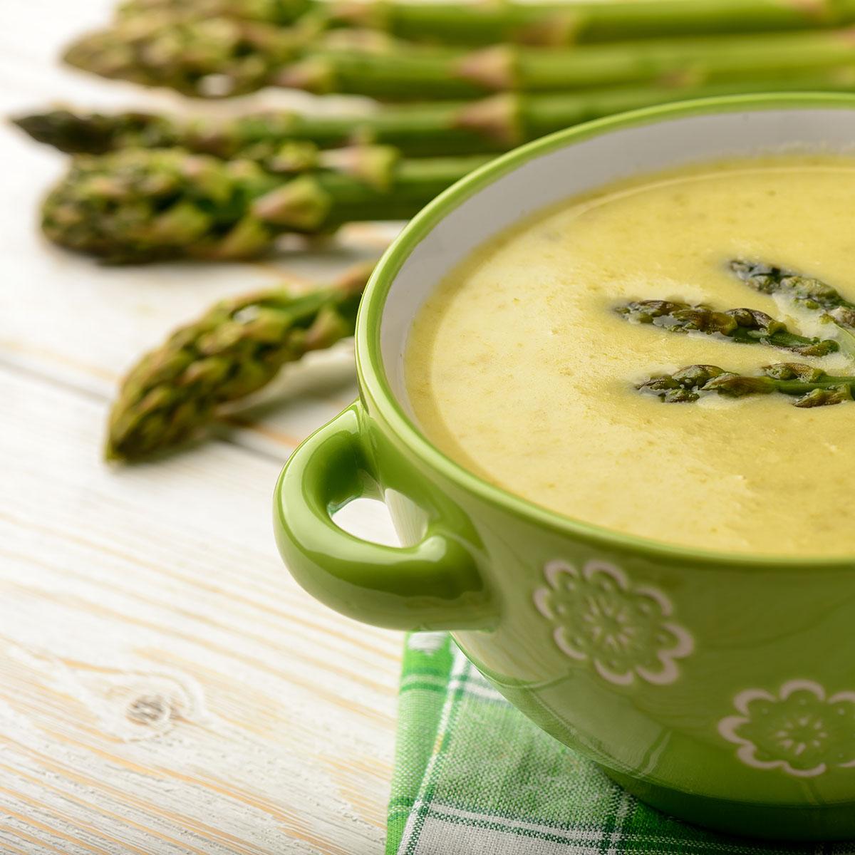 Нежный суп-пюре со спаржей