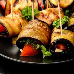 """Баклажаны """"тёщин язык"""" с помидором, чесноком и укропом"""