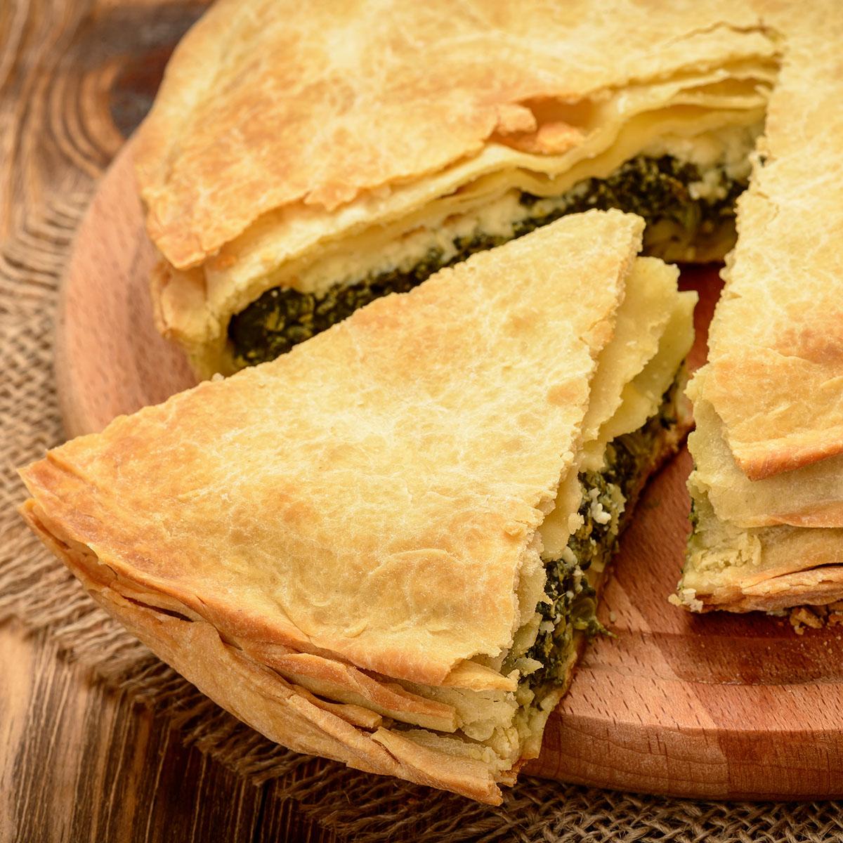 Спанакопита - греческий пирог со шпинатом и фетой