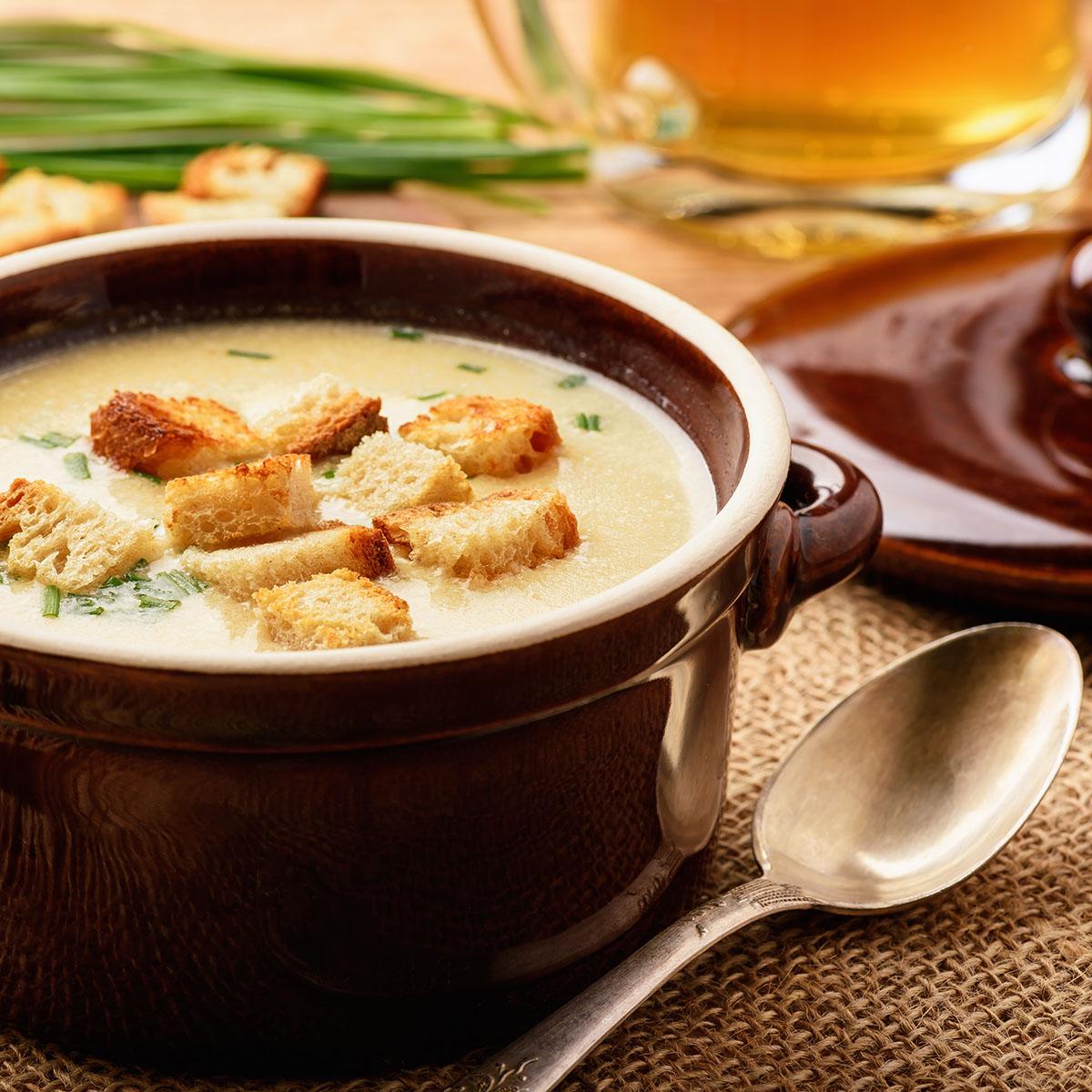 Пивной суп с куриным филе и ветчиной