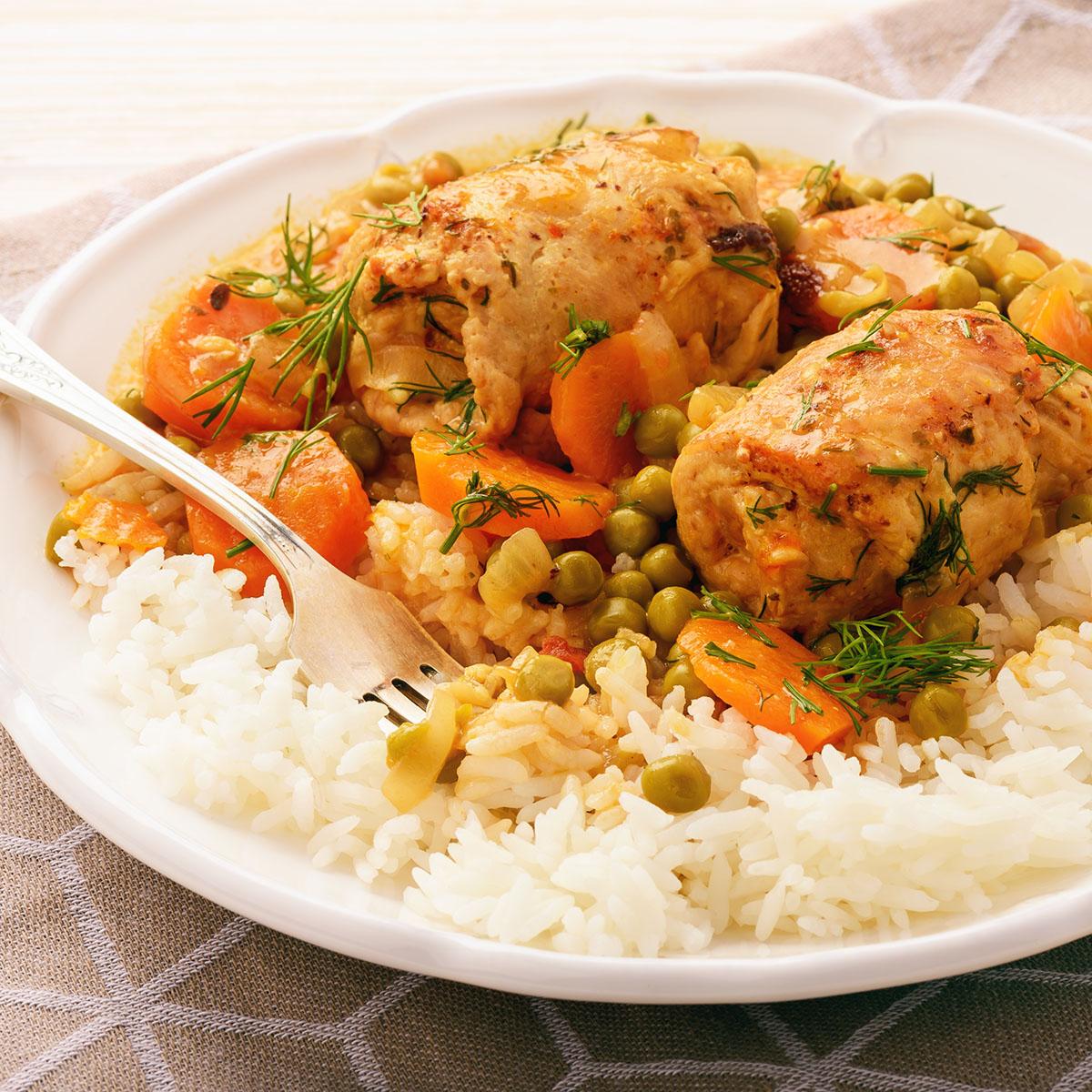 Рулеты из индейки с овощами и рисом