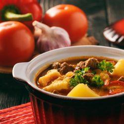 Венгерский суп-гуляш (бограч) с клецками