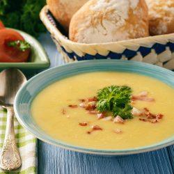 Суп-пюре с картошкой, сыром и грудинкой