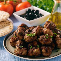 Кефтедес - мясные котлеты по-гречески