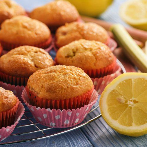 Маффины с ревенем и лимоном